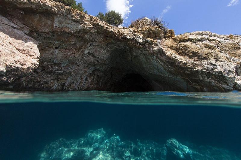 Naxos Rina Cave