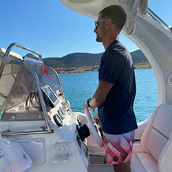 naxos rent a boat captain