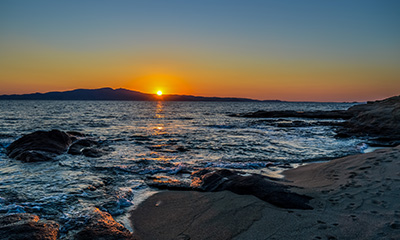 sunset boat cruise around naxos